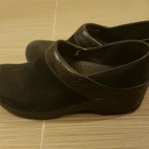 Dansko Shoes - Dansko black suede clogs